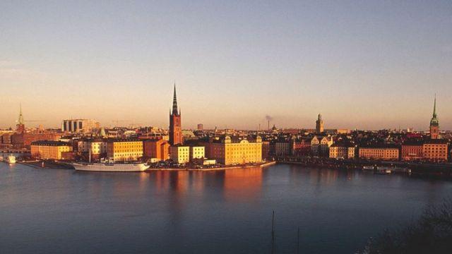 Hà Thiên Galaxy Express chuyên cung cấp các dịch vụ: gửi hàng đi Thụy Điển, chuyển phát nhanh đi Thụy Điển, mua hộ hàng Thụy Điển
